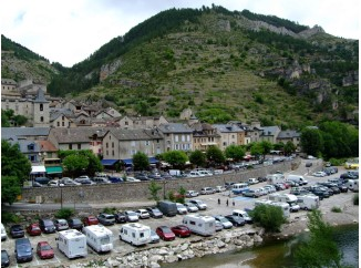 karavan-nuevo-parking-para-autocaravanas-en-plasencia-2307
