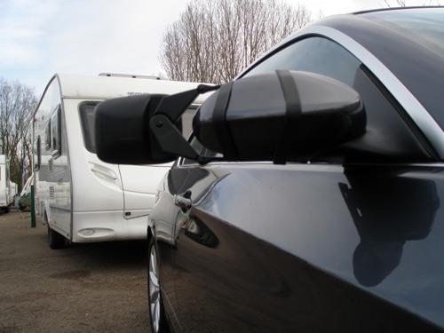 karavan-son-obligatorios-los-espejos-retrovisores-especiales-con-caravana-3074